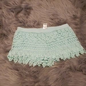 3/$20 mint crocheted shorts